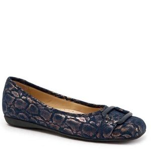 "Trotters Signature ""Sizzle"" Textured Ballet Flat"